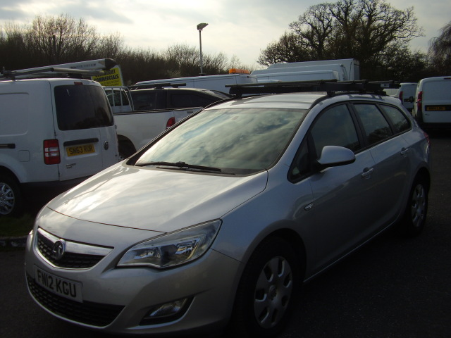 2012 VAUXHALL ASTRA ESTATE  EXCLUSIVE £3,850.00 1686cc CDTi ECOFLEX ESTATE