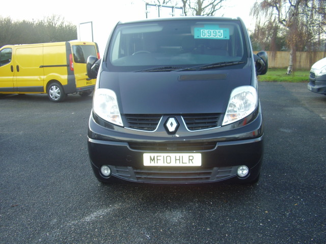 2010 Renault Trafic Sport:DCi 115 1995cc, air conditioning, alloy wheels, ply-lining £6,995.00 03VDPgskusSjnvCgarCmD9.jpg